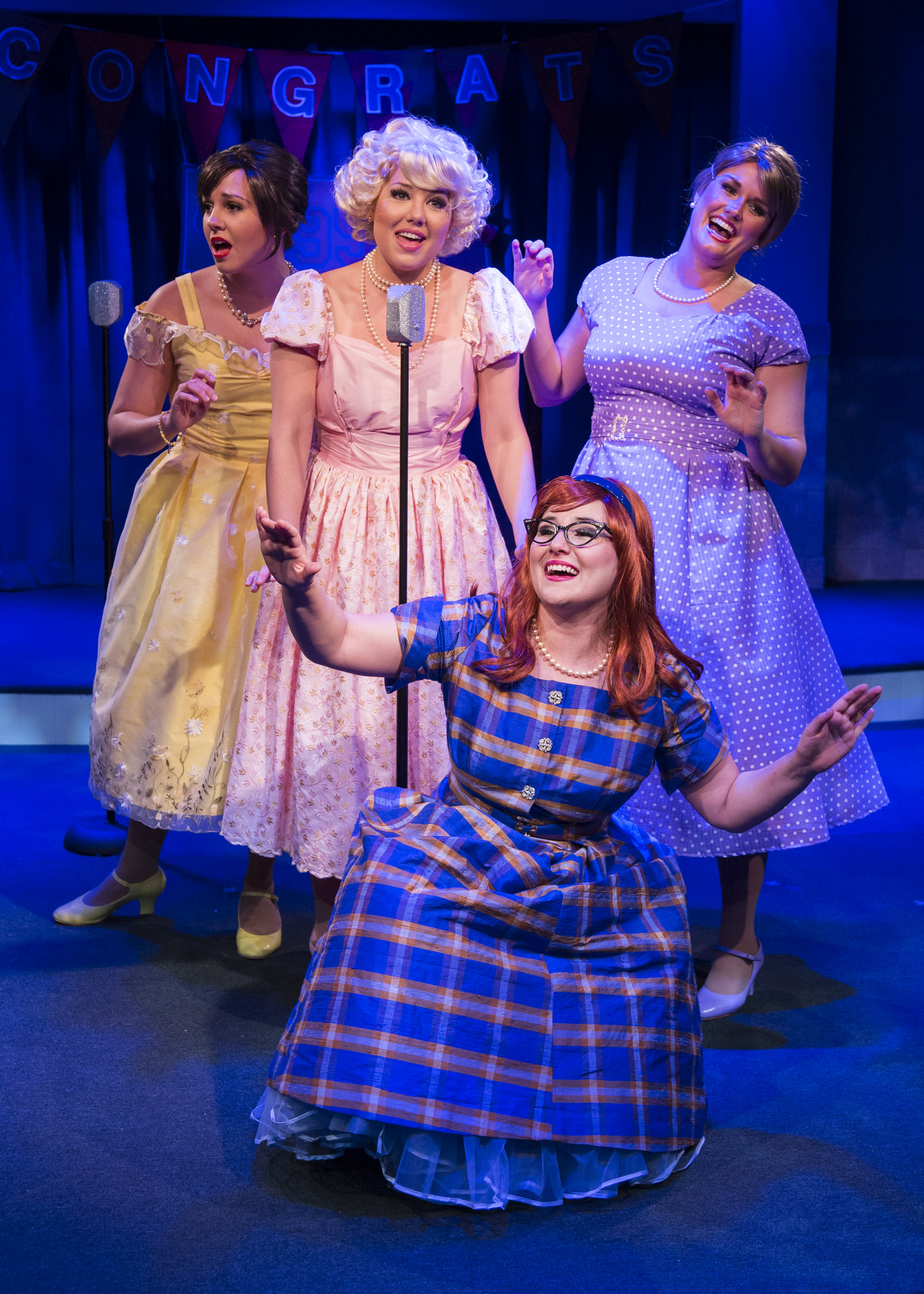 BWW Reviews: Stages\' THE MARVELOUS WONDERETTES: CAPS AND GOWNS is a ...