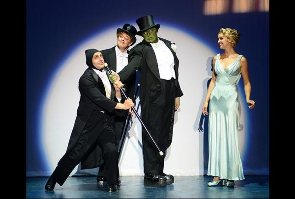Nathan Klau (Igor), John Bolton (Dr. Frankenstein), Bradley Nacht (The Monster), Lara Seibert (Inga)