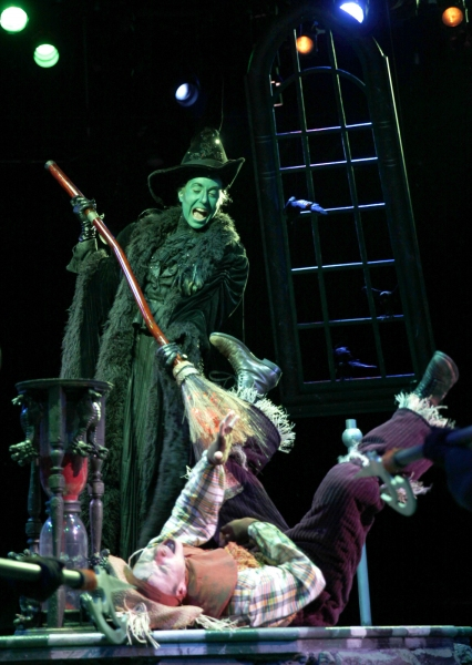 Laura Jordan (Wicked Witch of the West) and Paul Sabala (Scarecrow)