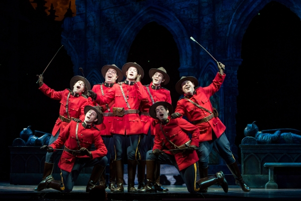 BWW Reviews: 5th Ave's PIRATES OF PENZANCE Does Honor to a Classic