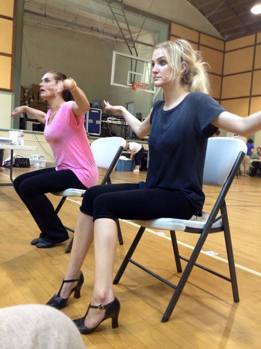 CHICAGO In Rehearsal With Simpson, Barks & More