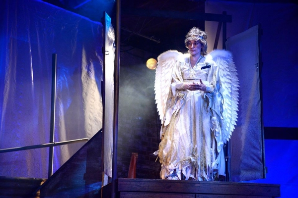 Carolina Espiro as Archangel Michael