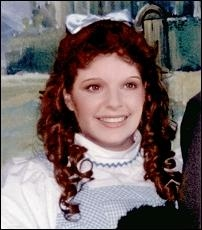 Impressionist Elaine Horn as Dorothy Gale in The Wizard of Oz