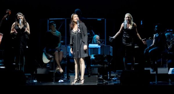 Chloe Hart, Sophie Thierens & Katie Paine Photo