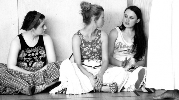 Niamh McGowan, Carla Langley and Rodanna Nic Liam