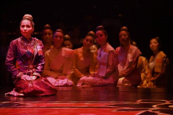 Tami Swartz (Lady Thiang) and the Royal Wives