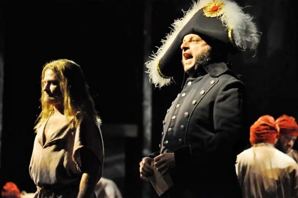 Ivan Rutherford (Valjean) and Doug Jabara (Javert)