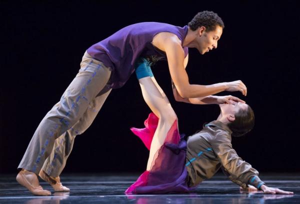 Hubbard Street Dancers Jonathan Fredrickson and Jacqueline Burnett Photo