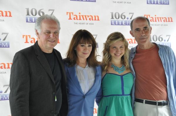 P.J. Benjamin, Patricia Richardson, Danielle Faitelson and Robert Emmet Lunney