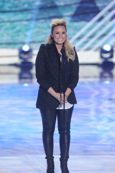 TEEN CHOICE 2013: Presenter Demi Lovato at the TEEN CHOICE 2013, airing LIVE Sunday, Aug. 11 (8:00-10:00 PM ET live/PT tape-delayed) on FOX at Gibson Amphitheater, Universal City, CA.  CR: Ray Mickshaw/FOX