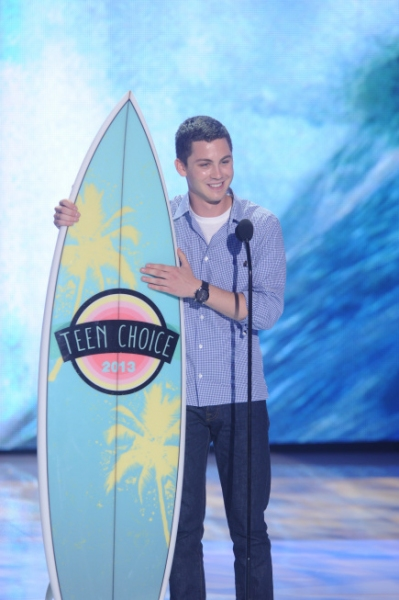TEEN CHOICE 2013: Logan Lerman wins the Choice Movie Actor  award at TEEN CHOICE 2013, airing LIVE Sunday, Aug. 11 (8:00-10:00 PM ET live/PT tape-delayed) on FOX at Gibson Amphitheater, Universal City, CA.  CR: Ray Mickshaw/FOX