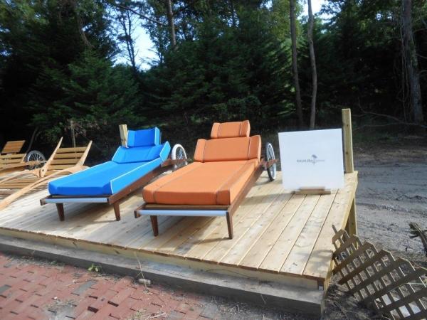Lounge chairs by Scott Benjamin Tucker for Raunjiba