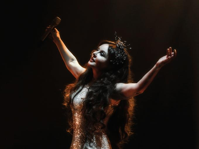 New Images From Brightman's DREAMCHASER Concert