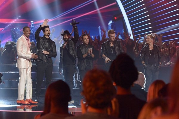 Pictured: (l-r) Nick Cannon, Kevin Richardson, AJ McLean, Howie Dorough, Nick Carter, Brian Littrell -- (Photo by: Virginia Sherwood/NBC)