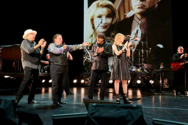 The Rascals are joined by Stevie and Maureen Van Zandt on stage