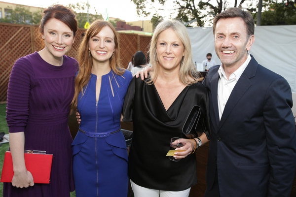 Presenter Bryce Dallas Howard (''The Help''), Ahna O''Reilly (''Jobs,'' ''The Help'') Photo