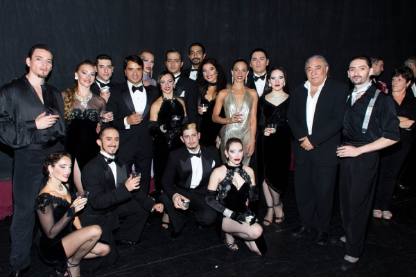 Luis Fonsi, Luis Bravo and the cast of FOREVER TANGO Photo