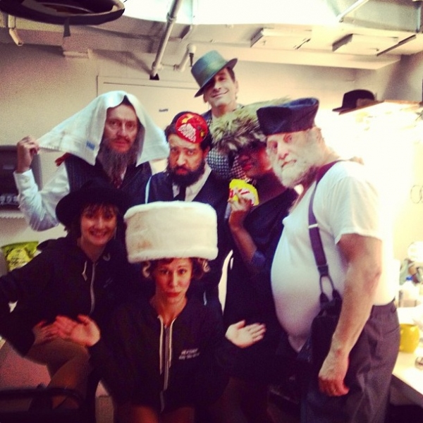 Photo Flash: Saturday Intermission Pics, Aug 24 - It's Hat Day at SOUL DOCTOR, ANYTHING GOES Ends in Toronto and More!