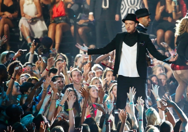 Photo Flash: 'NSync Reunion Among Highlights of MTV's VMA's