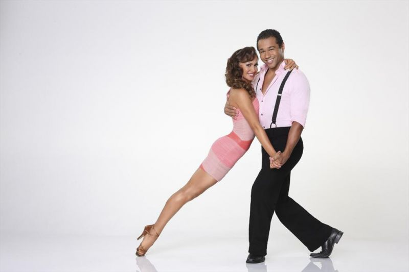 BWW Recap: DANCING WITH THE STARS Week 5 - Who Rocked, Who Bombed, and Who Went Home?