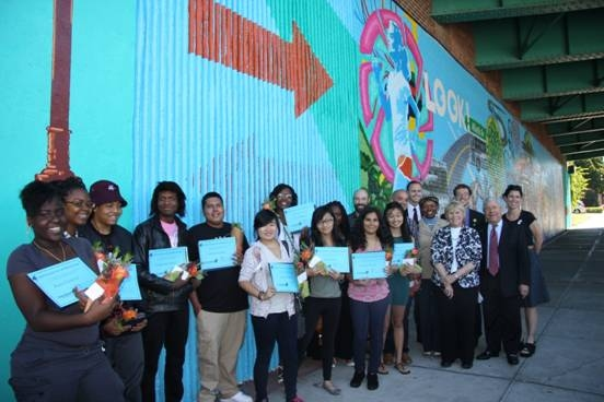 Brooklyn Borough President Marty Markowitz (right) joins (from left to right) student volunteers Kara Chichester, Ranasia Gale, Laron Wages, Emmanuel Knight, Anthony Lopez, Weng Chan, Miyah Harris, Helen Zhen, Gina Roseborough, Yessenia Fabian and Tiffany