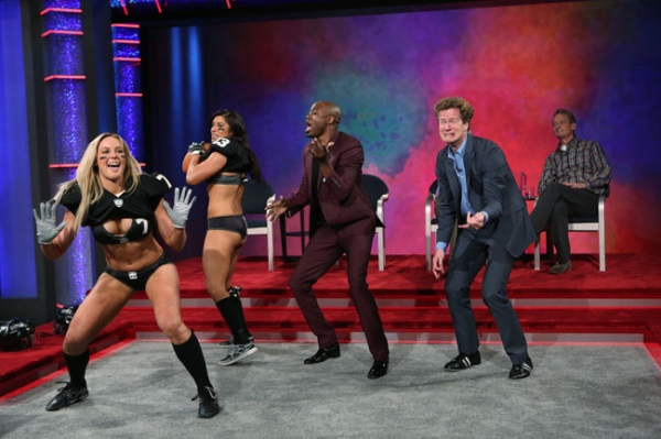 Whose Line is it Anyway -- â�¿��¿�Legends Football League'' - Image WL103B_0071 -- Pictured (L-R): Chloe Butler, Monique Gaxiola, Wayne Brady and Jonathan Mangum -- Photo: Patrick Wymore /The CW -- © 2013 The CW Network, LLC. All Rights Reserved