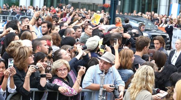 Dermot Mulroney with fans Photo