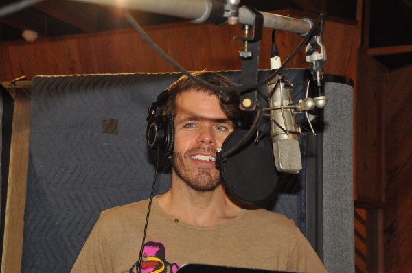 Exclusive Photo Coverage: Perez Hilton Reveals His Holiday Dishlist for Carols For A Cure