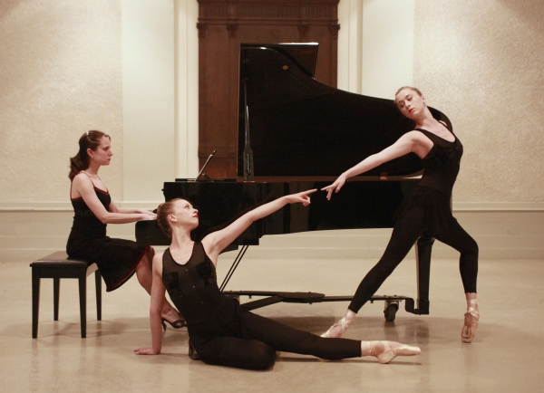 BWW Reviews: Miro Magloire's New Chamber Ballet Brings Contemporary Music and More to City Center Studio