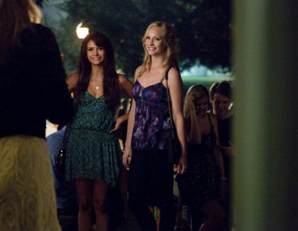 The Vampire Diaries -- I Know What You Did Last Summer- Pictured (L-R): Nina Dobrev as Elena and Candice Accola as Caroline Photo: Annette Brown/The CW