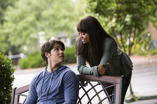 The Vampire Diaries -- I Know What You Did Last Summer Pictured (L-R): Steven R. McQueen as Jeremy and Kat Graham as Bonnie Photo: Annette Brown/The CW