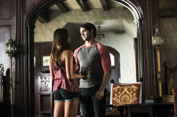 The Vampire Diaries -- I Know What You Did Last Summer -- Pictured (L-R): Nina Dobrev as Elena and Steven. R. McQueen as Jeremy Photo: Annette Brown/The CW