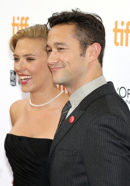 Scarlett Johansson and Joseph Gordon-Levitt
