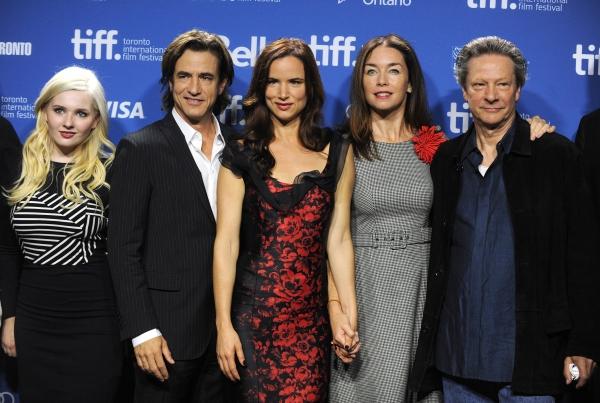 Abigail Breslin, Dermot Mulroney, Juliette Lewis, Julianne Nicholson and Chris Cooper Photo