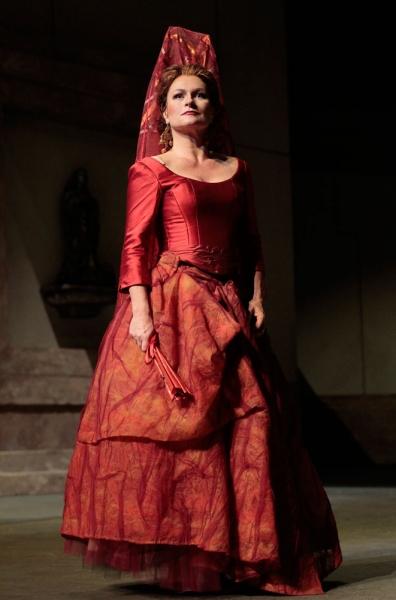 Carmen (Patricia Bardon) prepares to face her destiny in the final scene of ''Carmen.''