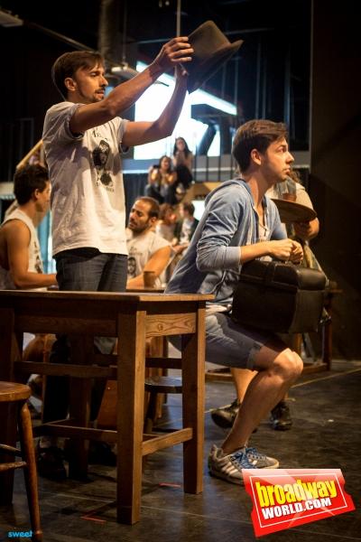 Armando Pita y elenco de Los Miserables
