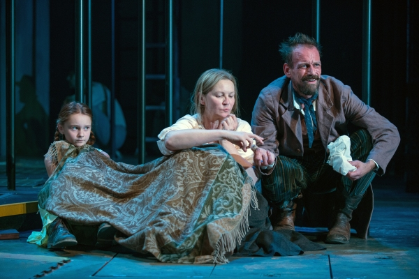 Rossignol (Mark L. Montgomery) shares his apricots with Beatriz (ensemble member Joan Allen) and The Girl (Emma Gordon)