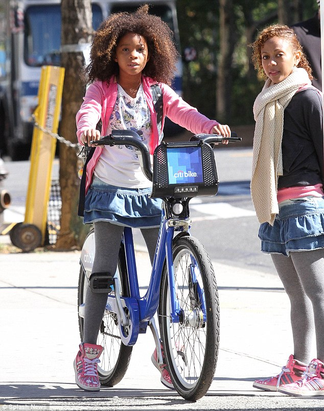 First Look At Quvenzhane Wallis In ANNIE Movie Musical Remake
