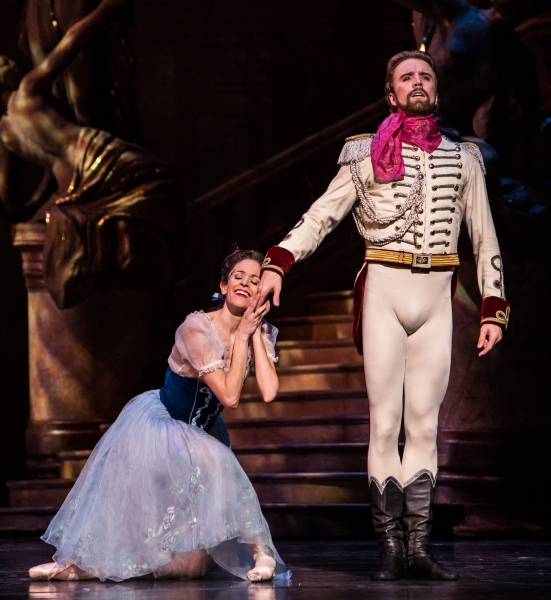 BWW Reviews: Houston Ballet's THE MERRY WIDOW is Opulently Romantic