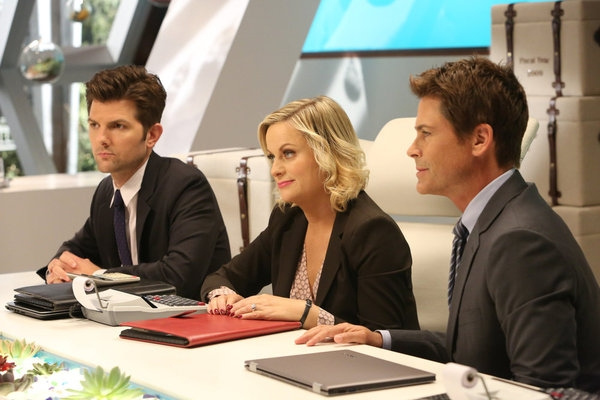 PARKS AND RECREATION -- ''The Pawnee-Eagleton Tip Off Classic'' Episode 603 -- Pictured: (l-r) Adam Scott as Ben Wyatt, Amy Poehler as Leslie Knope, Rob Lowe as Chris Traeger -- (Photo by: Danny Feld/NBC)