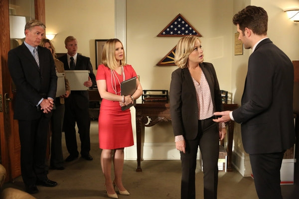 PARKS AND RECREATION -- ''The Pawnee-Eagleton Tip Off Classic'' Episode 603 -- Pictured: (l-r) Kristen Bell as Ingrid de Forest, Amy Poehler as Leslie Knope, Adam Scott as Ben Wyatt -- (Photo by: Danny Feld/NBC)