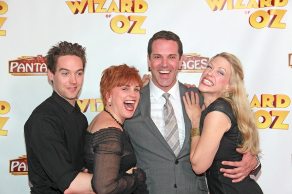 Jamie Mc Knight, Jacquelyn Piro Donovan (Wicked Witch), Mike Jackson, Robin Evan Willis                                                                                                                                                (Glinda)