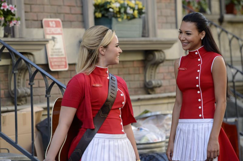 First Look At Demi Lovato & Naya Rivera on GLEE S5