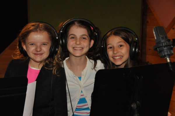 Milly Shapiro, Beatrice Tulchin and Bailey Ryon