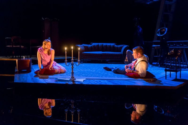 Review – THE GLASS MENAGERIE Glimmers in Tiffany's Breathtaking Production
