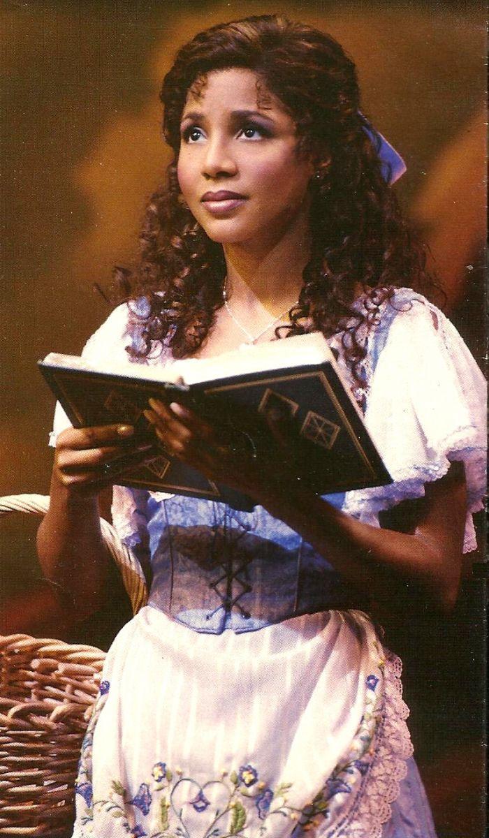 FLASH FRIDAY: Toni Braxton Back On Broadway