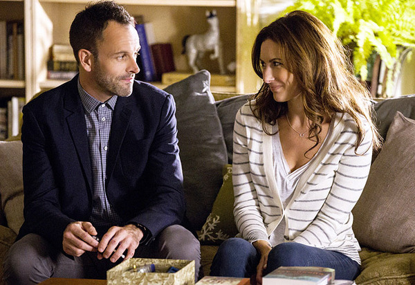 First Look At Laura Benanti On ELEMENTARY