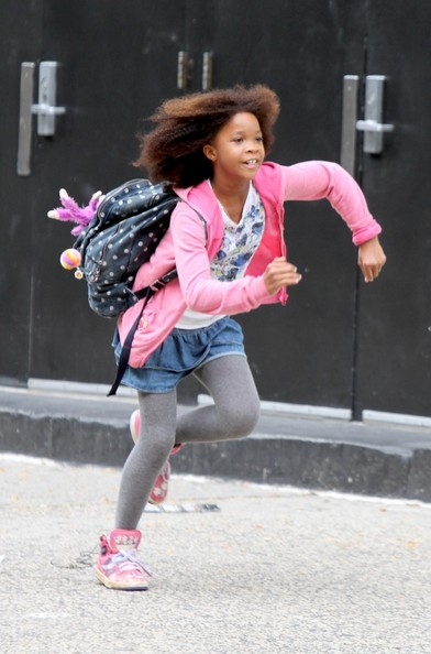 ANNIE's Quvenzhane Wallis & Orphans Spotted On Movie Set; Logo Revealed