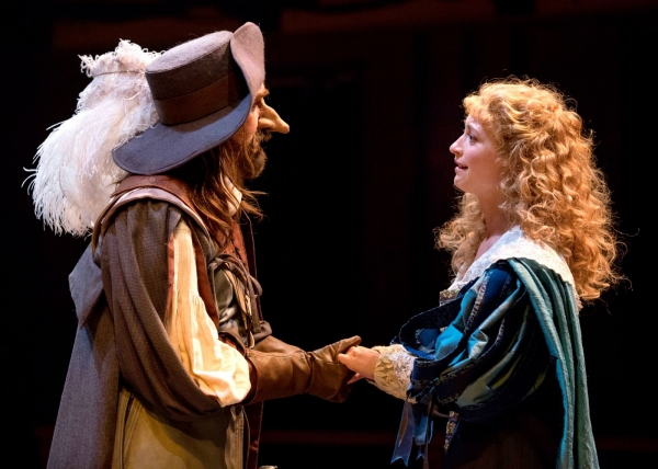 Cyrano (Harry Groener) and Roxane (Julie Jesneck)