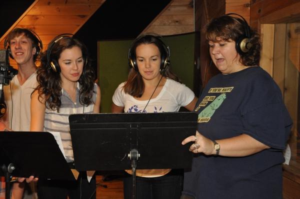 Ryan Breslin, Liana Hunt, Kara Lindsay and Vanessa Brown Photo